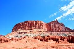 Formations colorées de roche et de grès en parc national de récif de capitol photo stock