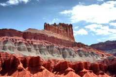Formations colorées de roche et de grès en parc national de récif de capitol image stock