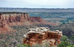Formations de grès en monument national du Colorado images stock