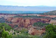 Formations de grès en monument national du Colorado photographie stock