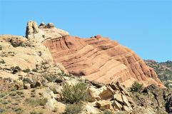 Formations de roche au parc national de voûtes en Utah Image stock