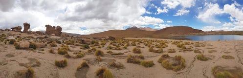 Formations de roche autour de Laguna Turquiri, Bolivie photographie stock