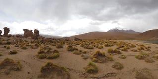 Formations de roche autour de Laguna Turquiri, Bolivie images stock