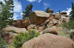 Formations de roche avec le beau ciel bleu Photos stock