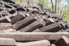 Formations de roche de colonne de basalte Inde images stock