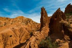 Formations de roche colorées en canyon de conte de fées, Kirghizistan photographie stock libre de droits
