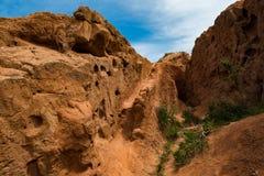 Formations de roche colorées en canyon de conte de fées, Kirghizistan image libre de droits