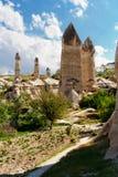 Formations de roche dans la vallée d'amour près du Goreme Cappadocia Photographie stock libre de droits