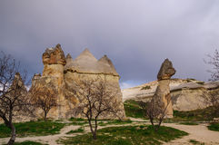 Formations de roche dans le jour nuageux Photo stock