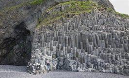 Formations de roche de Reynisfjara images stock