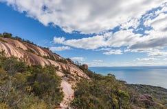 Formations de roche des AMOs de bâti, Tasmanie Photographie stock libre de droits