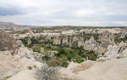 Formations de roche en vallée d'amour, Cappadocia Photographie stock libre de droits