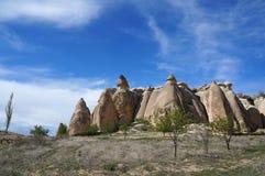 Formations de roche féeriques genre champignon fantastiques de cheminée à une vallée près de Chavushin photographie stock libre de droits
