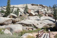 Formations de roche de granit à l'aire de loisirs de Vedauwoo image libre de droits
