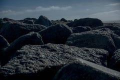 Formations de roche pendant la nuit Image libre de droits