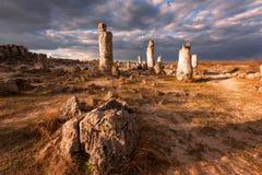 Formations de roche de phénomène en Bulgarie autour de kamani de Varna - de Pobiti Endroit national de tourisme photos libres de droits