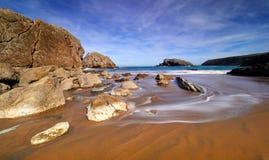 Formations de roche spectaculaires sur la côte de la Cantabrie, Espagne photos libres de droits