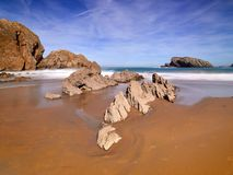 Formations de roche spectaculaires sur la côte de la Cantabrie, Espagne image libre de droits
