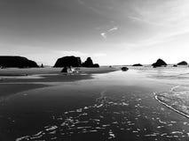 Formations de roche de vues d'océan images libres de droits