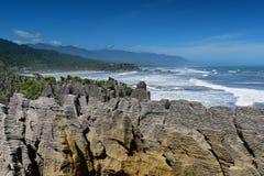 Formations de roches étonnantes de crêpe au parc national de Paparoa au Nouvelle-Zélande photos libres de droits