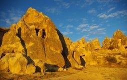Formations en pierre de Cappadocia à la lumière de coucher du soleil Photo libre de droits
