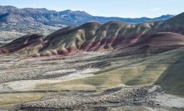 Formations géologiques colorées aux collines peintes en Orégon photographie stock