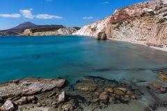 Formations minérales sur la côte de la mer Égée d'île de Milos, Grèce image libre de droits