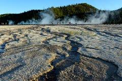 Formations passionnantes de pierre, de chaux et de bactéries photos stock