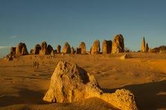 Formations renversantes de sommet au coucher du soleil images stock