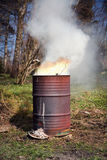 Formato de retrato del fuego del barril imagenes de archivo