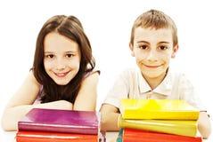 Formazione, bambini, felicità, con il libro colorato. Fotografia Stock Libera da Diritti