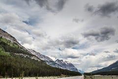 Formazione della nuvola sopra Rocky Mountain Fotografie Stock