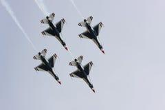 Formazione di diamante dei Thunderbirds del U.S.A.F. Fotografia Stock Libera da Diritti