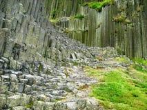 Formazione rocciosa congiunta colonnare della canna d'organo in repubblica Ceca fotografie stock libere da diritti