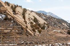 Formazione rocciosa della lastra fuori di Casper Wyoming U.S.A. fotografia stock libera da diritti