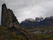 Formazione rocciosa e montagne Fotografia Stock