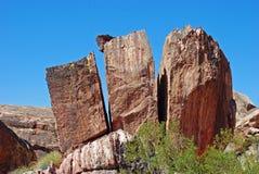 Formazione rocciosa spaccata in canyon rosso della roccia, Nevada Fotografia Stock