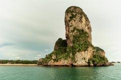 Formazione rocciosa in Tailandia del sud immagine stock libera da diritti