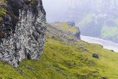 Formazioni basaltiche alla Cisgiordania della cascata di Dettifoss in Islanda del Nord immagine stock libera da diritti