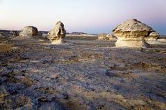Formazioni del gesso al deserto bianco Immagine Stock