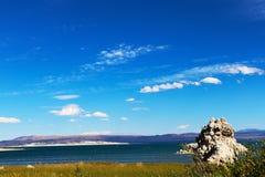 Formazioni del tufo nel mono lago, California, U.S.A. fotografie stock libere da diritti