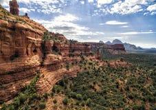 Formazioni rocciose rosse alla traccia del canyon di Boynton in Sedona, U.S.A. fotografia stock