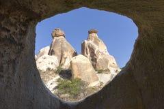 Formazioni rocciose vulcaniche in Cappadocia, Turchia fotografie stock