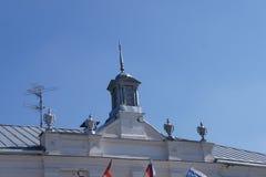 Forme architettoniche sul tetto della costruzione Immagine Stock Libera da Diritti