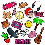 Forme crachás, remendos, etiquetas ajustadas com elementos da hippie, skate, sinal de paz, guitarra no PNF Art Comic Style ilustração royalty free