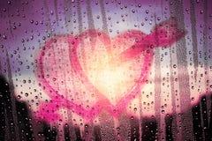 Forme de coeur avec amour sur le verre Photo libre de droits