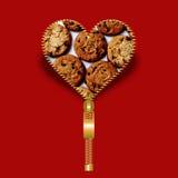 Forme de coeur avec la texture de biscuits en dedans Images stock