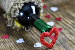 Forme de coeur d'amour de vin de table Image stock