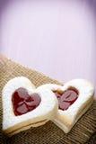 Forme de coeur de biscuits Photos libres de droits