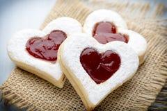 Forme de coeur de biscuits Photos stock
